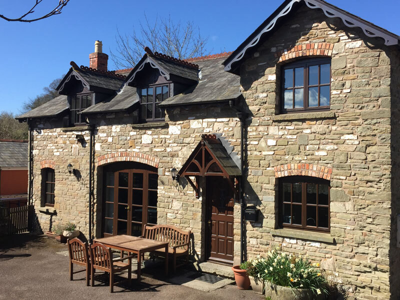 Click here to book our self catering coach house